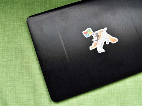 Does putting an adhesive skin on your gaming laptop make