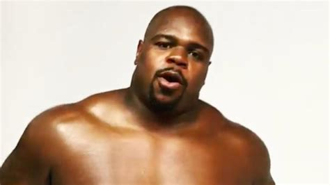 Vince Wilfork might be playing shirtless beer pong before
