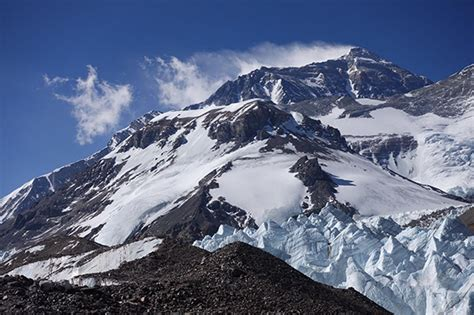 New Road Built by China Leads Directly to Mount Everest