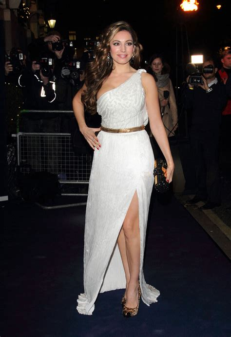 33 Hottest Pictures Of Kelly Brook Prove She Is A Sexiest