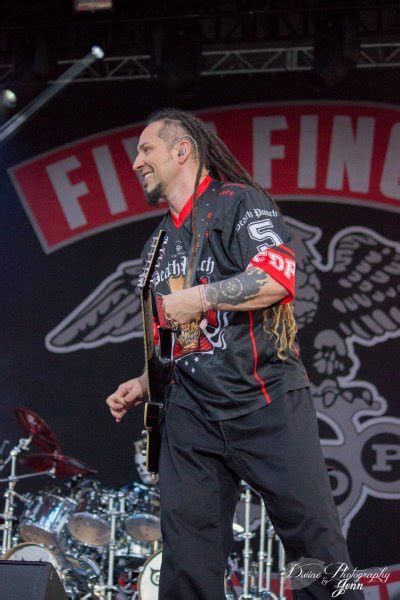 Photos - FIVE FINGER DEATH PUNCH - Welcome To Rockville
