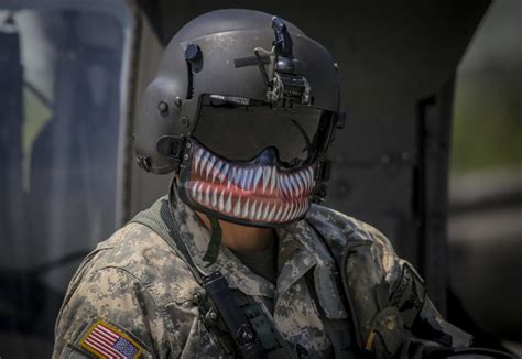 Why (some) Black Hawk crew chiefs paint their face masks